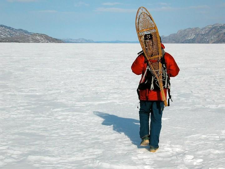 Yukon Territory - Wie man ein Loch ins Eis bohrt - Kanadas Norden - out-of-canada.olehelmhausen.de - 2